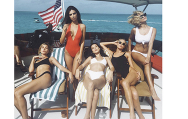 FAMOUS MODELS ON SUPERYACHT