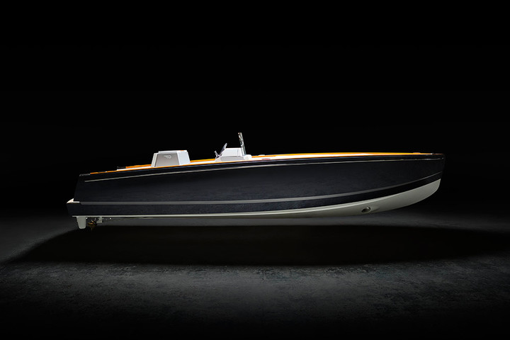 New luxury yacht Dasher by Hinckley