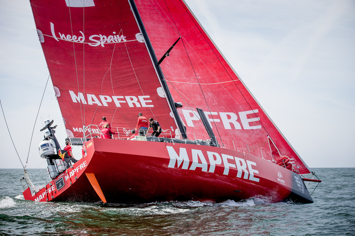 The MAPFRE made a stop at the VOR