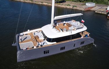 New catamaran Sunreef 80 from Sunreef Yachts