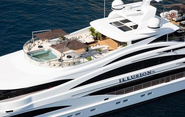 Golf on yacht from the ILLUSION V