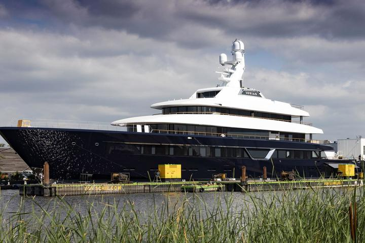 Superyacht Lonian (Feadship) was launched to sea