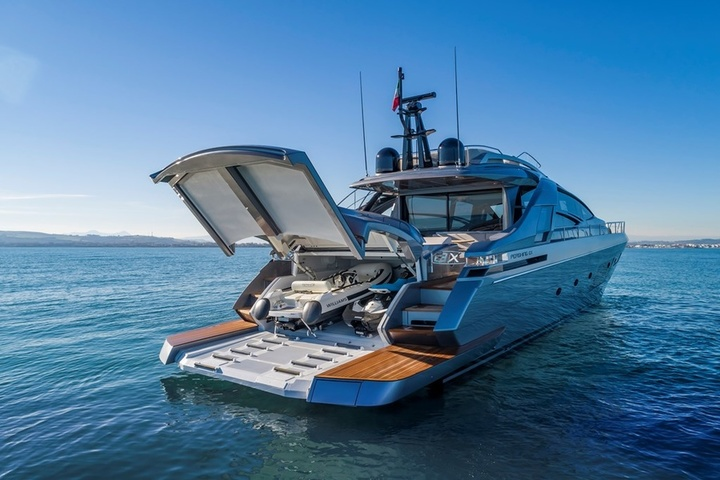 New yacht from Ferretti Group: upgraded Pershing 8X