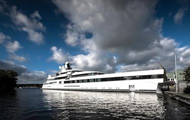 Feadship Lady S with IMAX on board