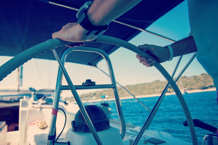 Yachts with the equipage: do you need a crew on shipboard?